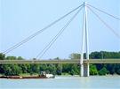 Most přes Dunaj před městem Hainburg