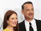 Emmy 2012 - Julianne Moore a Tom Hanks se soškami za Prezidentské volby