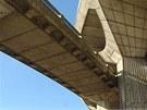 Detail betonového pilíře