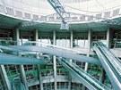 Vntřní otvor s tubusy má průměr 25 metrů.