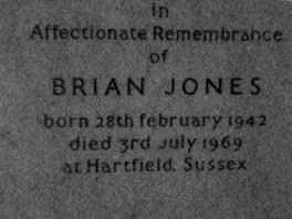 Pomník na hrobu Briana Jonese
