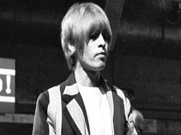 Hlavními nástroji Briana Jonese, který se narodil v roce 1942, byla kytara a