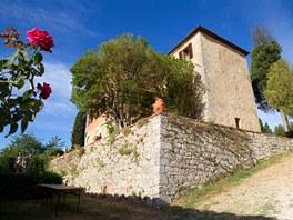 Kamenn� usedlost Campriano v italsk�m Tosk�nsku poch�z� z 11. stolet�.