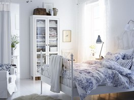Bílá zdůrazňující čistotu, lehkost a klid.