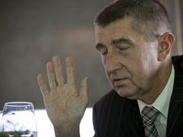 Lidi tady mají v Česku o bohatých špatné mínění, říká Andrej Babiš.