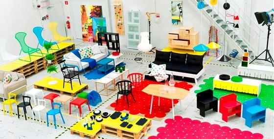 Kolekce IKEA PS 2012 využívá hodně barvy.
