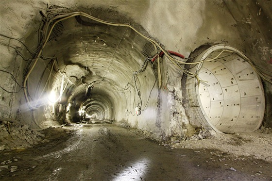 Část štoly Markéta bude sloužit jako obratová kolej stanice Petřiny. Traťové tunely vyrazily štíty těsně v jejím sousedství.