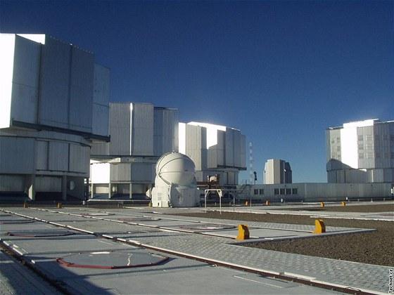 Čtyřka obřích dalekohledů VLT
