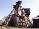Ani z dalšího ostravského Dolu Terezie toho mnoho nezůstalo. Těžní věž ale