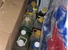 V dodávce v Českém Těšíně ležely krabice s lahvemi naplněnými nelegálním