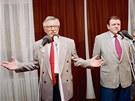 Jihlava, říjen 1992. Václav Klaus a Vladimír Mečiar na noční tiskové konferenci