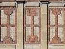 Fasáda Automatických mlýnů je tvořena vyzdívkou nosného skeletu. Zdi díky tomu...