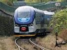 První motorový vlak RegioShark na kolejích v Karlovarském kraji.