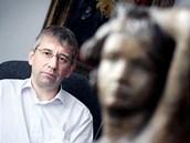 Jaromír Drábek ve své kanceláři na ministerstvu práce a sociálních věcí (23.