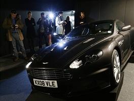 Z dražby předmětů agenta Jamese Bonda: vůz Aston Martin V12 DBS