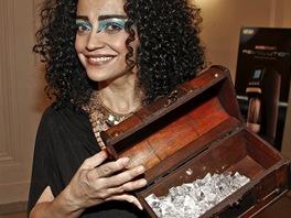 Lucie Bílá po premiéře muzikálu Aida s truhlou s pokladem