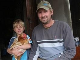 Tomáš Sova se šestiletým synem Denisem. Rodina ho podporuje, i když se ocitl