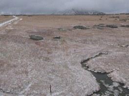 Poprašek na sněhu u Luční boudy (8. 10. 2012).