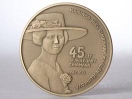 Mince vydaná k výročí Divadla Járy Cimrmana