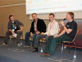 Panelová diskuze: Vojta Bednář se ptá Alistaira Crolla, Jakuba Rože a Petra