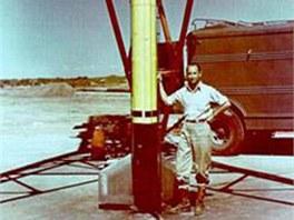Frank Malina u rakety WAC Corporal