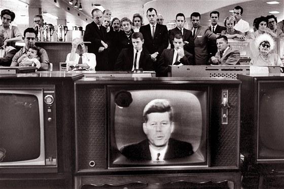 Dne 16. října 1962 vypukla karibská krize. V ten den se prezident USA dozvěděl...