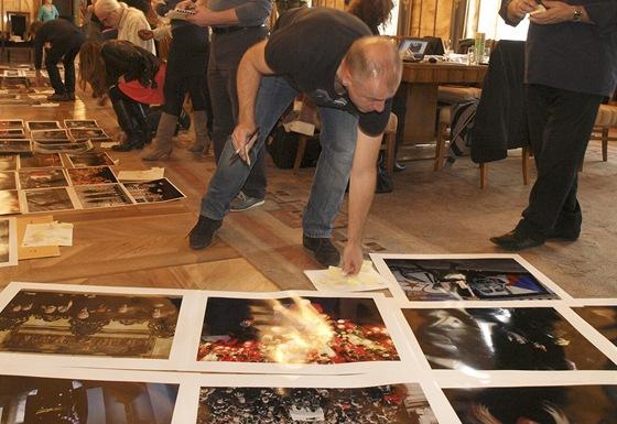 Porota soutěže české zpravodajské fotografie CZECH PRESS PHOTO
