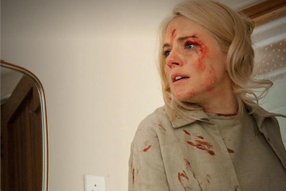 Z televizního filmu HBO The Girl, na snímku Sienna Millerová