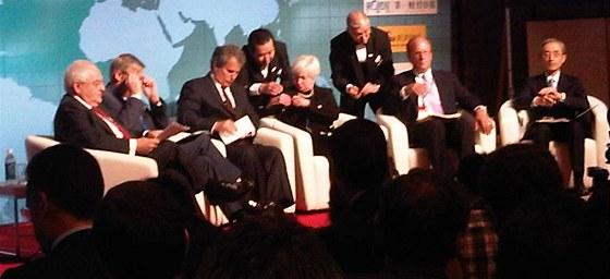 Zasedání MMF a Světové banky v Tokiu.