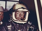 Joe Kittinger krátce předtím, než vystoupá 16. srpna 1960 do výšky 31 300