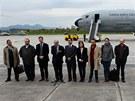 Zástupci kolumbijské vlády před odletem do Osla na mírová jednání s FARC (18.