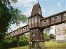 """PERNÍKOVÝ. Opravdu tak vypadá, přestože je ze dřeva. A není to most, """"jen"""""""