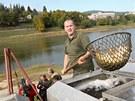 Do Luhačovické přehrady putovaly po vyčištění stovky kilogramů ryb.