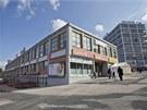 Objekt Tržnice po dohodě s památkáři dostal novou fasádu z cihlových pásků,...