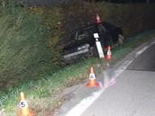 Opilý řidič havaroval v Dolní Olešnici na Trutnovsku. (9. 10. 2012)
