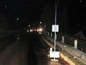 Oplechovaný semafor na kolečkách oplilý řidič otočil na opačnou stranu.