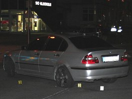 Řidič vozem v dubnu v Kopřivnici srazil policistu, o auto teď přišel.