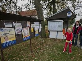 V Arnolticích na Olomoucku se volilo v maringotce (12. října 2012, Arnoltice).