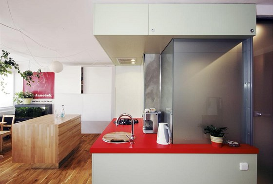 V obytné kuchyni se může scházet celá rodina.