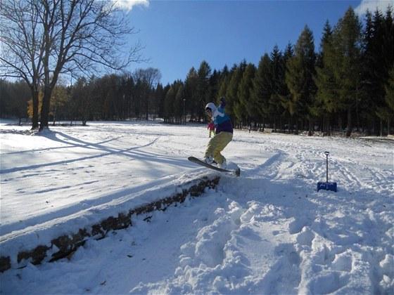 V neděli si ve skiareálu Jedlová v Lužických horách zalyžovali první nadšenci.