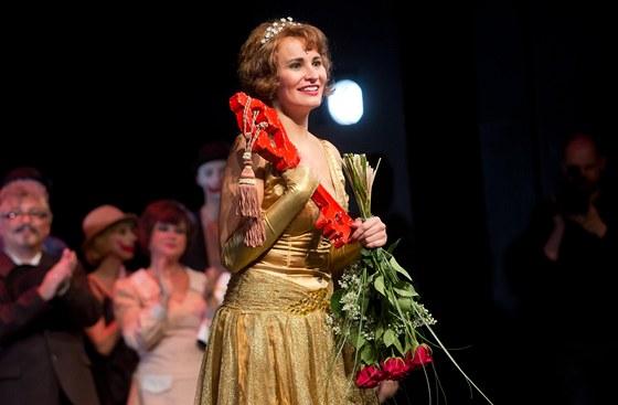 Monika Absolonová dostala od divadla Hybernia symbolický klíč od šatny.
