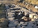Jantarovou cestu na hřebenech Krkonoš kameníci opravují tradičním štětováním.