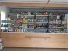 Obchod v Meziměstí-Starostíně, kde celníci zajistili 240 lahví podezřelého