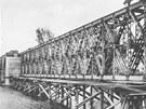 Železniční most, který dnes už nestojí.