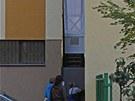 Domek je doslova vklíněn mezi existující bytové domy v centru metropole na