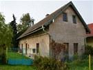 Dům byl postavený kolem roku 1870 a tloušťka jeho zdí je 60 centimetrů.