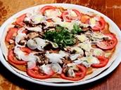 I pizzu vitarián připraví syrovou.