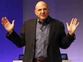 Šéf firmy Microsoft Steve Ballmer představuje Windows 8