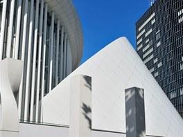 Nová budova filharmonie stojí v Lucemburkuv v nové čtvrtí Kirchberg, na