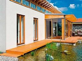 Rodinný dům se zahradou, dřevostavba, střední Čechy